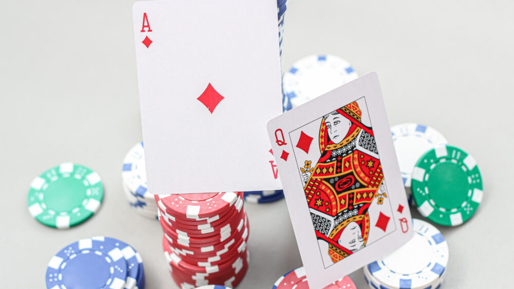 クイーンカジノの初回入金ボーナスの注意点